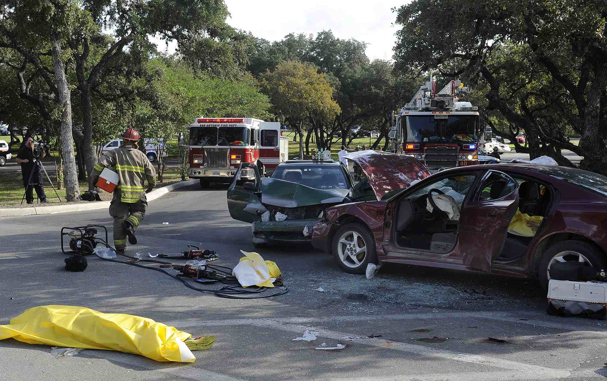 the dangers of teenage driving Teens text and drive with deadly consequences--how can parents impart the importance of road safety to young drivers.