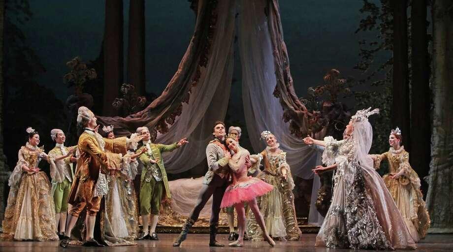 """Houston Ballet presents Ben Stevenson's """"The Sleeping Beauty."""" Photo: Amitava Sarkar"""