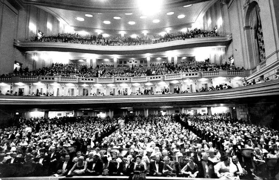 Opening of the 34th Annual Autumn season of the San Francisco OPera at the War Memorial Opera house  photo dated 09/13/1956 UPI photo / ONLINE_YES