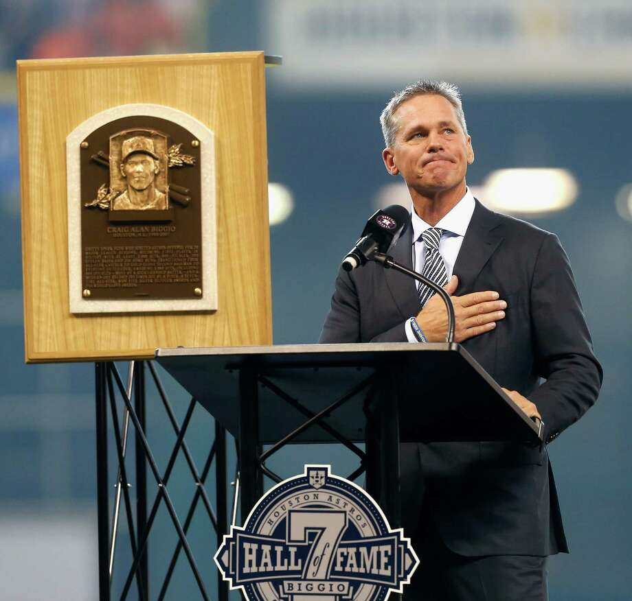 Astros icon and Hall of Fame inductee Craig Biggio was honored during a pregame ceremony Saturday. Photo: Bob Levey, Stringer / 2015 Getty Images