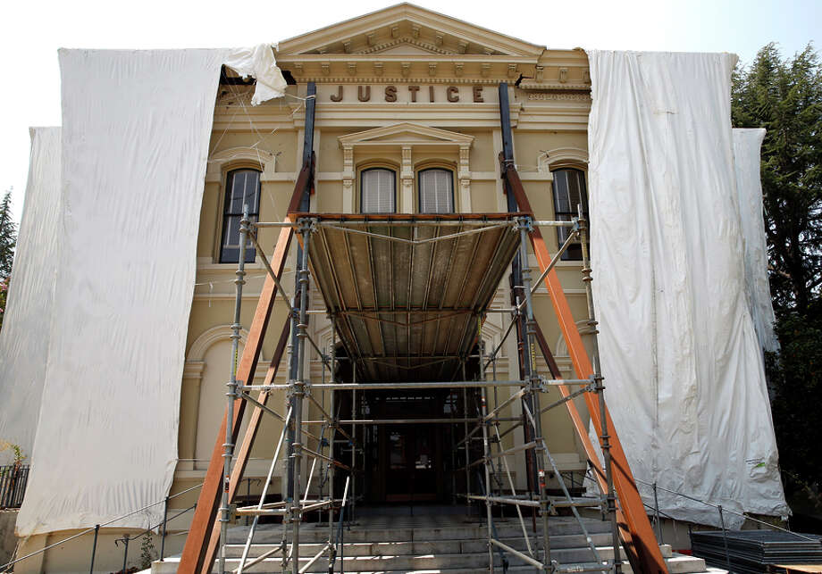 Scaffolding surrounds the Napa County Courthouse, which is still undergoing repairs from the 2014 earthquake. Photo: Scott Strazzante / Scott Strazzante / The Chronicle / ONLINE_YES