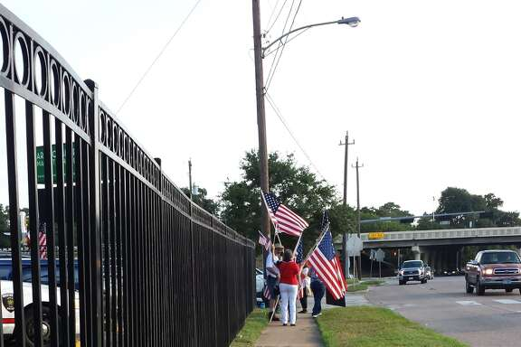 Protesters at HISD's Arabic Immersion Magnet School Monday, Aug. 24, 2015.