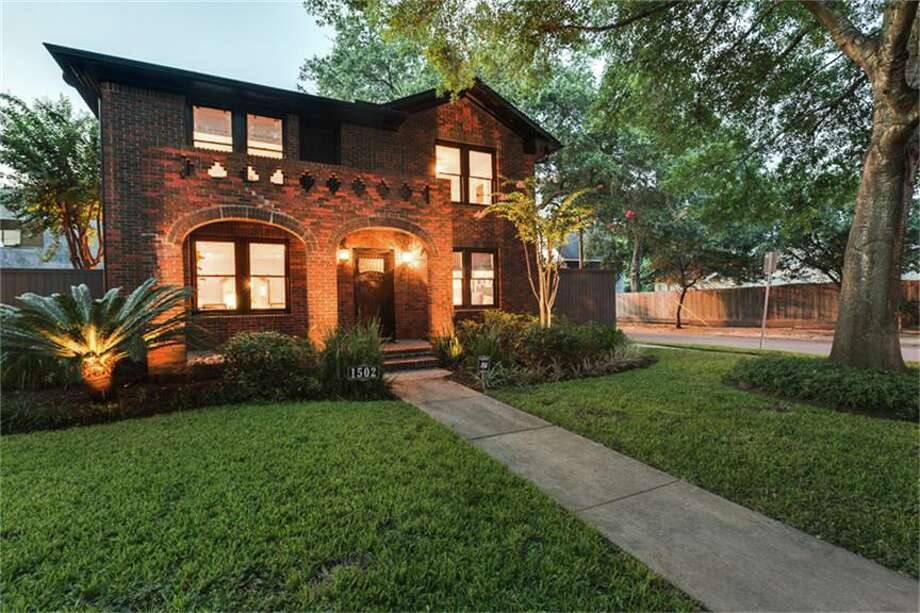1502 Kipling: $960,000 / 3 bedrooms / 3 full bathrooms / 2,854 square feet Photo: Houston Association Of Realtors