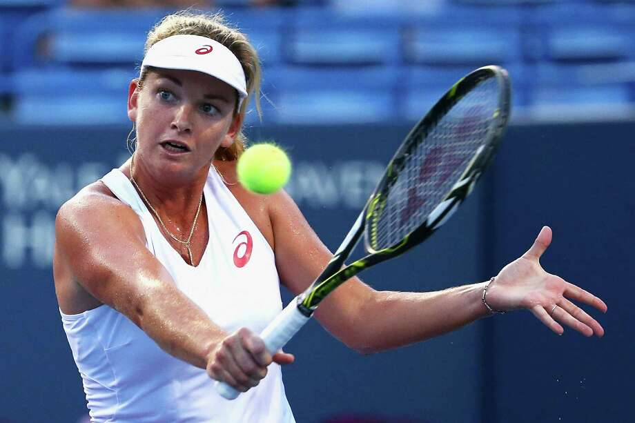 CoCo Vandeweghe returns a backhand to Agnieszka Radwanska at Connecticut Open on Monday at the Connecticut Tennis Center at Yale in New Haven. Photo: Maddie Meyer / Getty Images / 2015 Getty Images