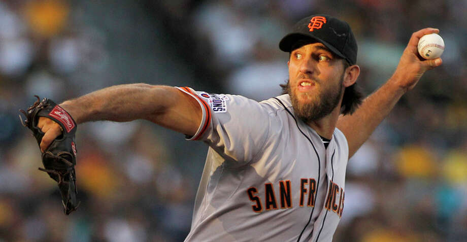 Madison Bumgarner stars with his arm and bat. Photo: Justin K. Aller / Getty Images / 2015 Getty Images
