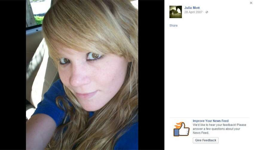 Julie Mott's Facebook Page is now a memorial to 25-year-old woman who died on August 8 from cystic fibrosis.
