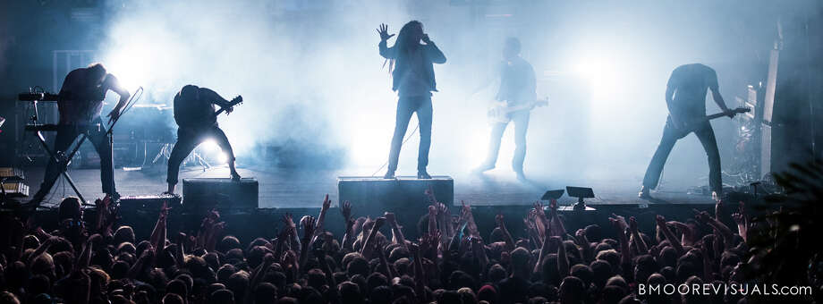 Underoath, of St. Petersburg, Florida, announced Monday that the band would embark on a reunion tour in 2016 with members including Aaron Gillespie on drums and vocals, Spencer Chamberlain on scream vocals and more.