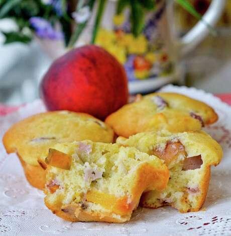 Peach Muffins Photo: Larry Roberts /TNS / Pittsburgh Post-Gazette