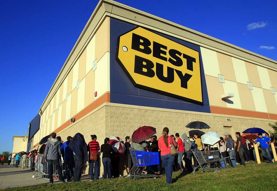 Best Buy saw a jump in profit as shoppers picked up appliances, big-screen TVs and mobile phones. Photo: Gabe Hernandez, Associated Press