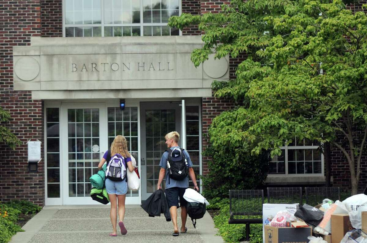 Freshmen move into their dorms on Tuesday, Aug. 25, 2015, at Rensselaer Polytechnic Institute in Troy, N.Y. (Cindy Schultz / Times Union)