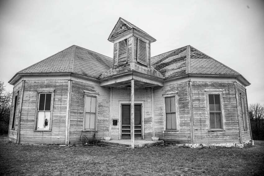 2. Just like other desolate homes on this list, this home belongs in a nearly abandoned city. This home in Mingus, north of Stephenville, has a population of about 240 ?' a major decline from the city's heyday in in the 1920-30s.