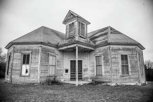 Just like other desolate homes on this list, this home belongs in a nearly abandoned city. This home in Mingus, north of Stephenville, has a population of about 240 ‒ a major decline from the city's heyday in in the 1920-30s.