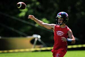 New Fairfield football team enters season with high expectations - Photo
