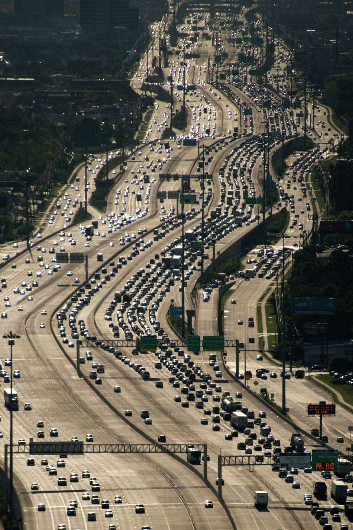 Traffic on the IH-10 Katy Freeway viewed facing west near Loop 610 on Thursday, April 11, 2013, in Houston. ( Smiley N. Pool / Houston Chronicle )