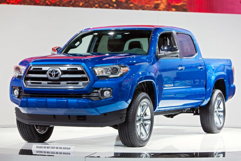 13 Extended Cab Pickups With the Most Ground Clearance