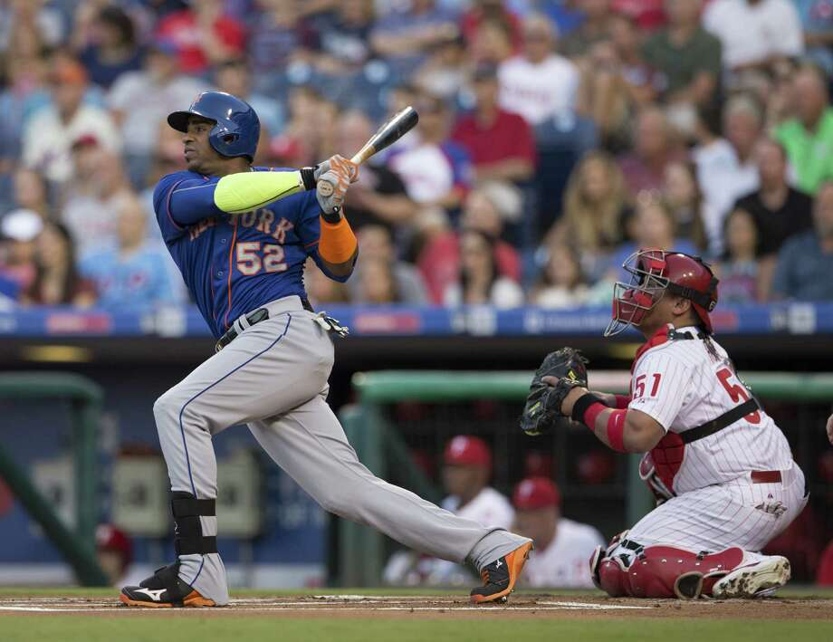 PHILADELPHIA, PA - AUGUST 25: Yoenis Cespedes #52 of the New York Mets hits a two run home run in the top of the first inning against the Philadelphia Phillies on August 25, 2015 at the Citizens Bank Park in Philadelphia, Pennsylvania.  (Photo by Mitchell Leff/Getty Images) ORG XMIT: 538592175 Photo: Mitchell Leff / 2015 Getty Images