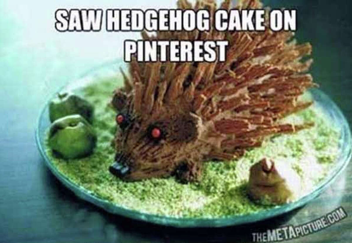See the inspiration projects... and the homemade results. The Goal: A near life-like (sorta) hedgehog cake.  Found on pinterest. com