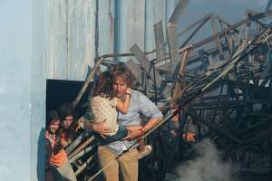 'No Escape': high-level tension undercut by hokum - Photo