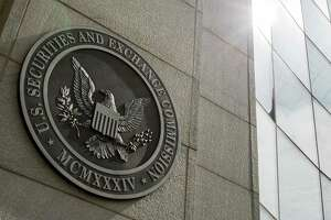 SEC orders investor's assets frozen - Photo