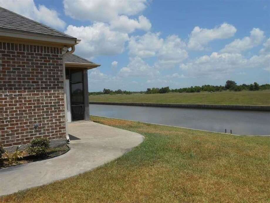 Homes for less than 499k for sale in southeast texas for 3328 terrace nederland tx
