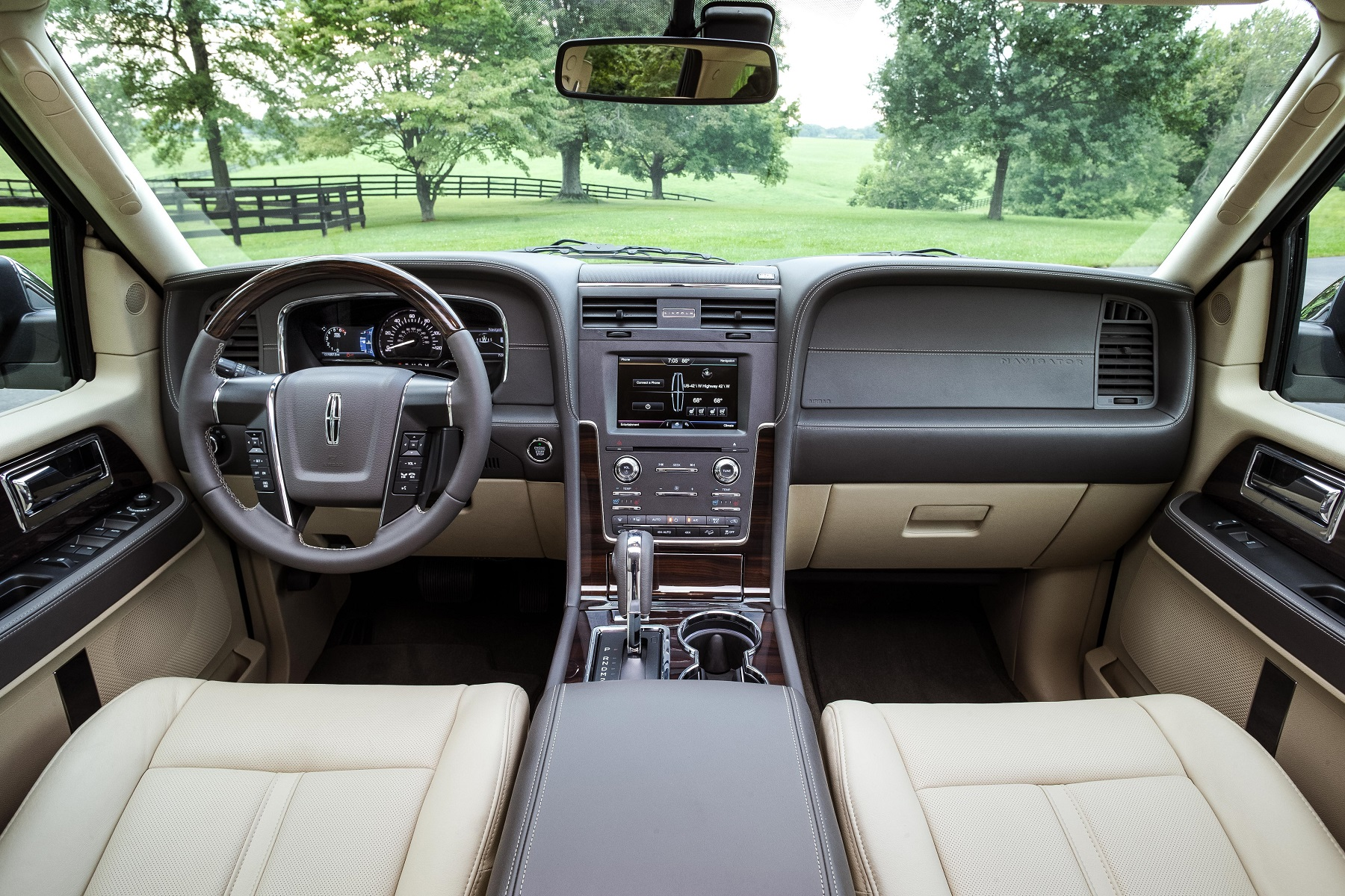 Lincoln Navigator: Powered by EcoBoost turbo engine