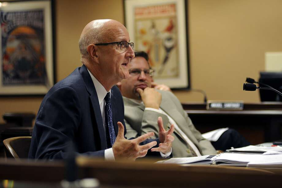 Stephen Handel, UC undergraduate admissions official, addresses an Assembly hearing on UC admissions decisions. Photo: Michael Short, Special To The Chronicle
