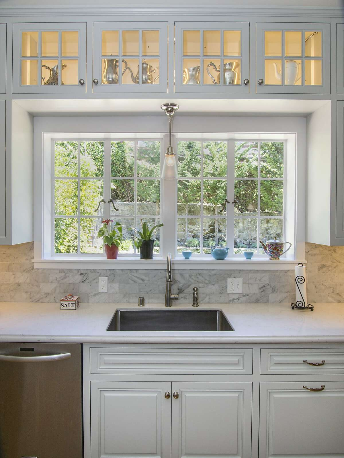The Morse House in Rockridge had its kitchen updated, but the home's place on Oakland's historical registry was kept in mind. Pendant lights, rather than recessed lighting, were used.