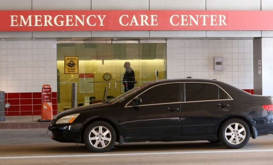 A off-duty police officer shot and wounded a person Thursday, Aug. 27, 2015 at St. Joseph's Medical Center at 1401 St. Joseph's Parkway, according to the Houston Police Department. Photo: Cody Duty | Houston Chronicle