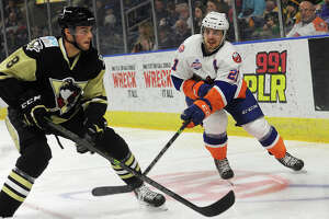 Sound Tigers open 15th AHL season at home Oct. 10 - Photo