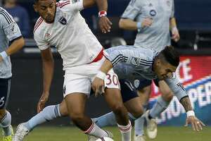 Quakes' playoff push begins against Galaxy - Photo