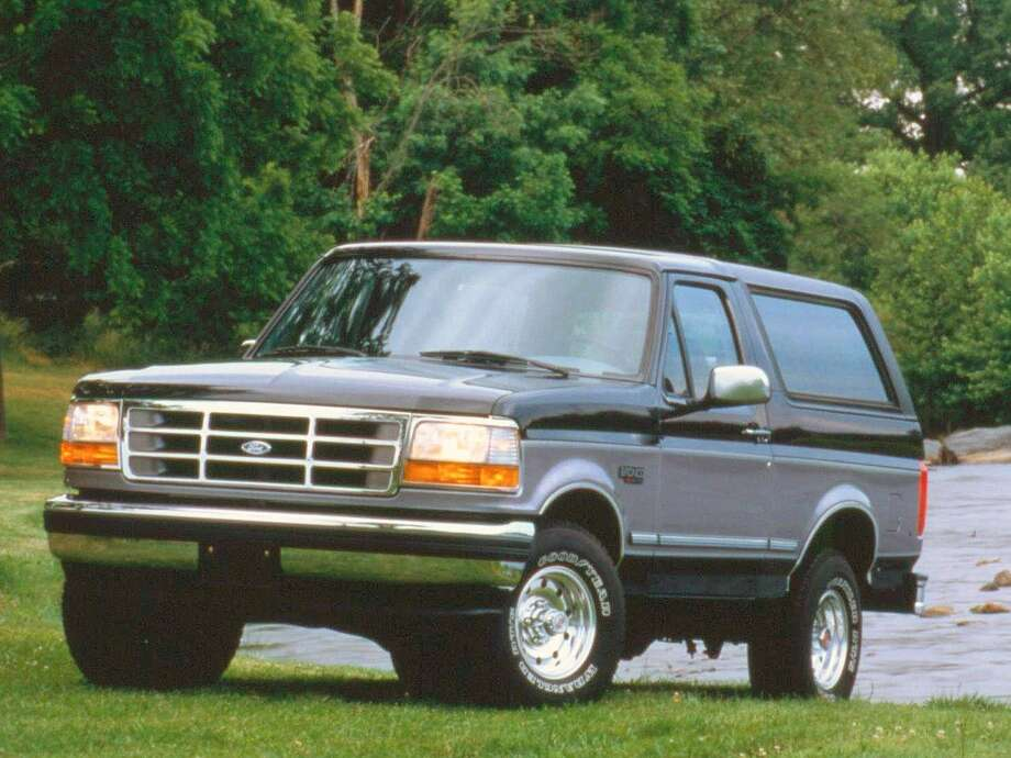 An older model Ford Bronco is shown. Photo: Business Insider