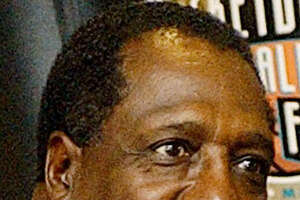 Meadowlark Lemon dribbles court testimony in contempt case - Photo