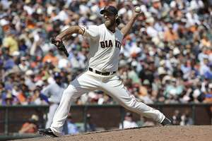 Madison Bumgarner ushers Giants to rout of Cubs - Photo