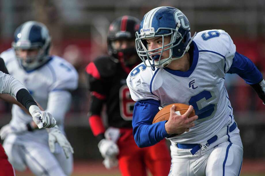 Fairfield Ludlowe senior Chris Howell compiled 540 yards rushing and 95 tackles last season. Photo: Mark Conrad / Mark Conrad / Connecticut Post Freelance