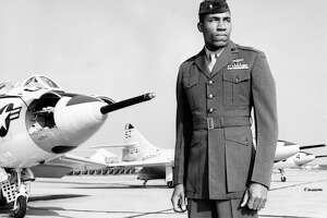 Frank E. Petersen Jr., first black Marine aviator, dies - Photo