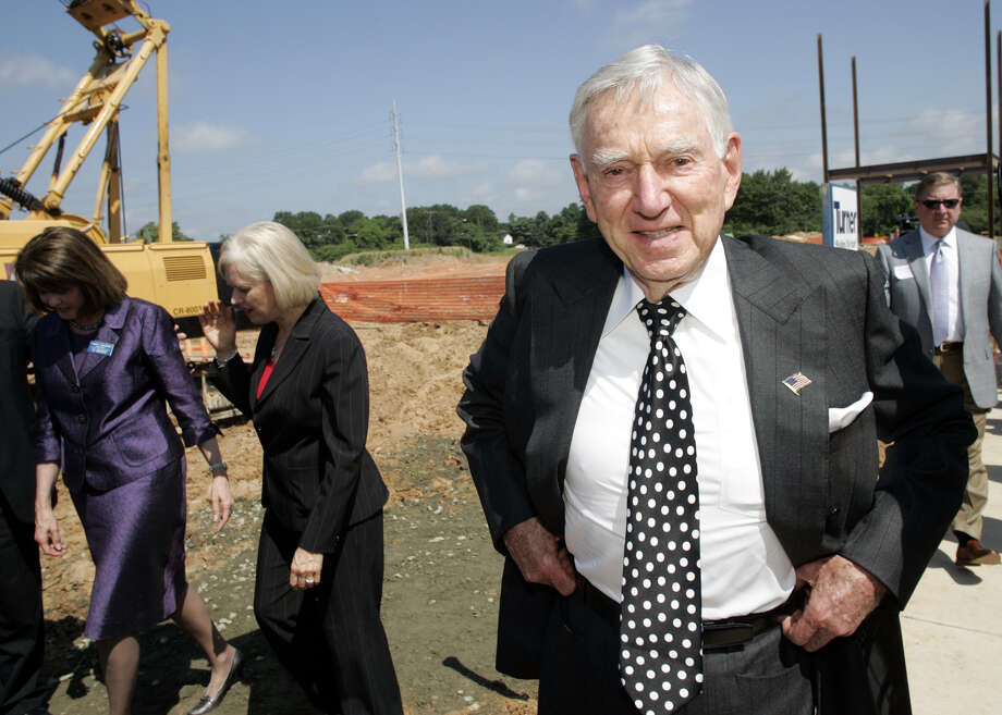 FILE -- David Murdock, the chairman of Dole Food, at a groundbreaking ceremony in Kannapolis, N.C., May 29, 2009. Murdock and his top lieutenant have been found guilty of fraudulently driving down Dole's stock price so they could buy it at a cheaper price during a 2013 leveraged buyout, and must reimburse shareholders $148 million, a Delaware court ruled on Aug. 27, 2015. (Nell Redmond/The New York Times) Photo: NELL REDMOND, STR / NYTNS