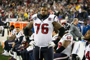 Texans offensive tackle Duane Brown has hand injury, will miss Saints game - Photo