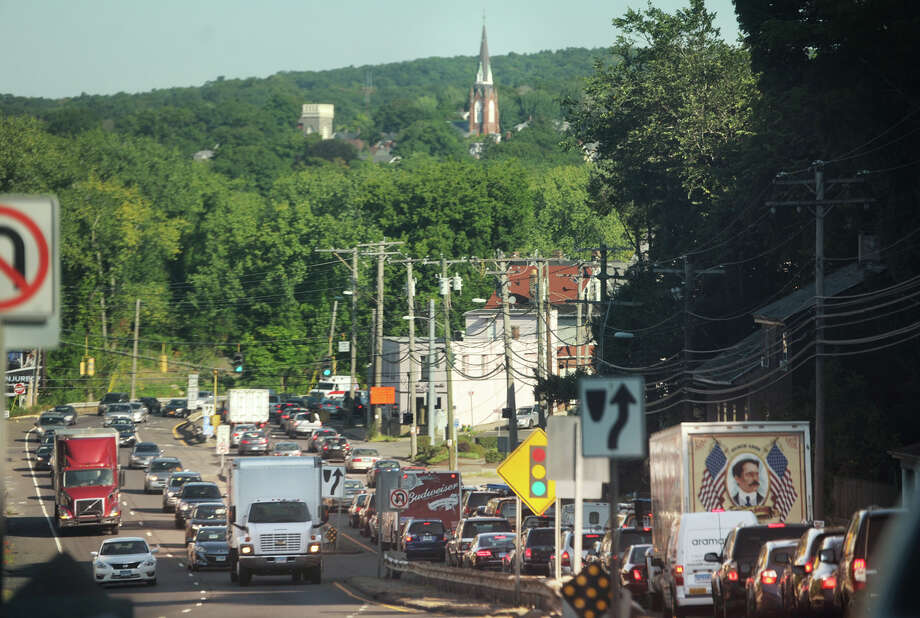 Traffic backs up on Route 34 in the northbound, and busy in the southbound, directions in Derby, Conn. on Wednesday, August 26, 2015. Photo: Brian A. Pounds / Hearst Connecticut Media / Connecticut Post