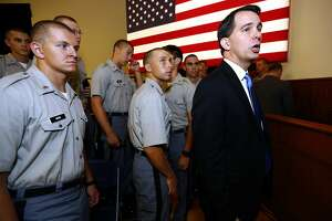 Scott Walker calls for U.S. combat role in Islamic State fight - Photo