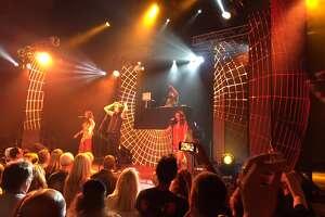 Todd Rundgren goes ?Global? at Aztec Theatre show - Photo