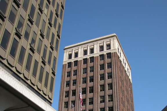 Built as the Chamber of Commerce Building, this 14-story tower designed by Walter Ratcliff was downtown Berkeley's tallest building from 1927 until 1970. Roughly 180 feet tall, it remains a landmark on the skyline.