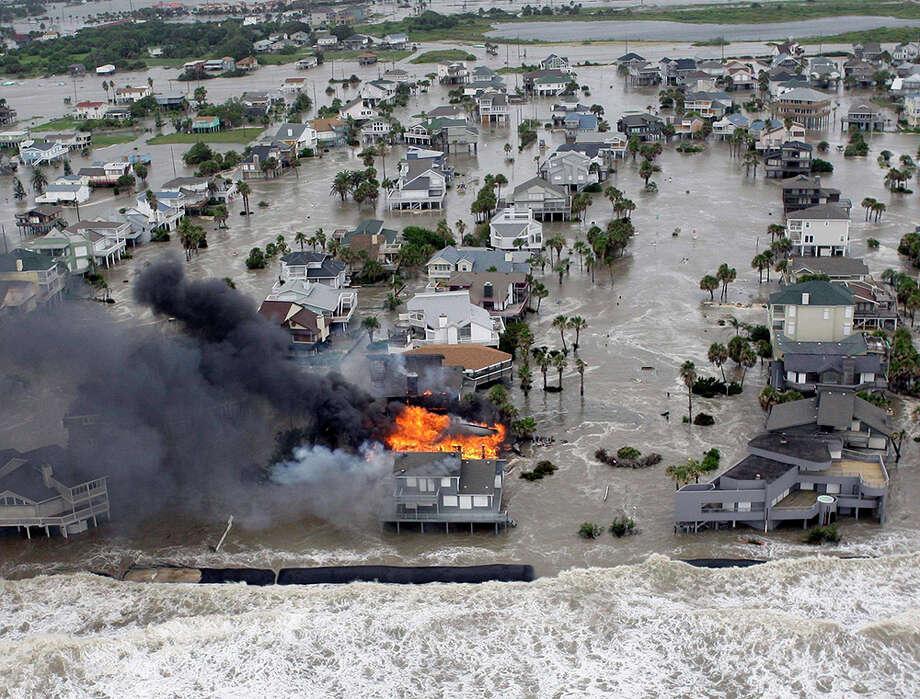 Category 5 Hurricane Damage 89799   FLASHDEV