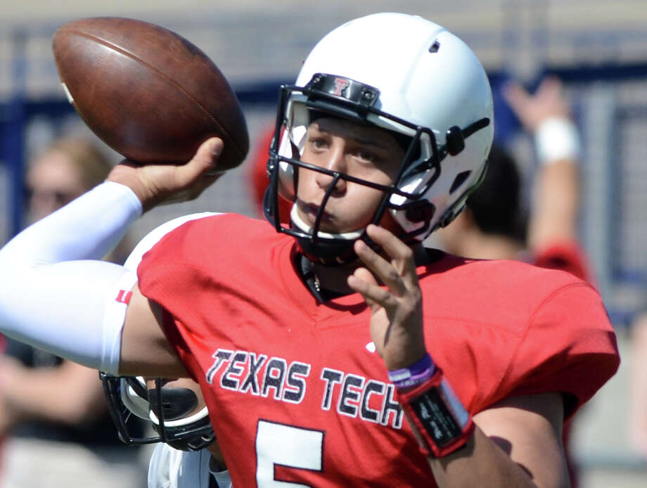 Texas Tech quarterback Patrick Mahomes passes during the spring scrimmage on March 28, 2015, at Grande Communications Stadium in Midland. Photo: James Durbin / Midland Reporter-Telegram / © 2014 Midland Reporter Telegram. All Rights Reserved.