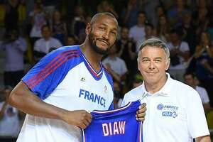 Diaw plays 200th game for France - Photo