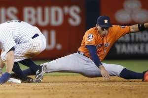 Carlos Correa reamins out for Astros - Photo