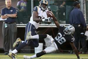 Raiders' cornerbacks face deep ball test against Palmer - Photo
