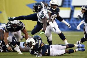 Seahawks nip Chargers - Photo