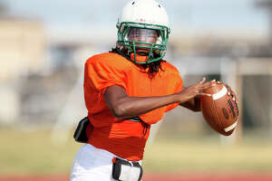 Sam Houston tops Bandera in season opener - Photo