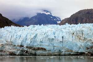 Obama travels to Alaska to urge action on climate change - Photo