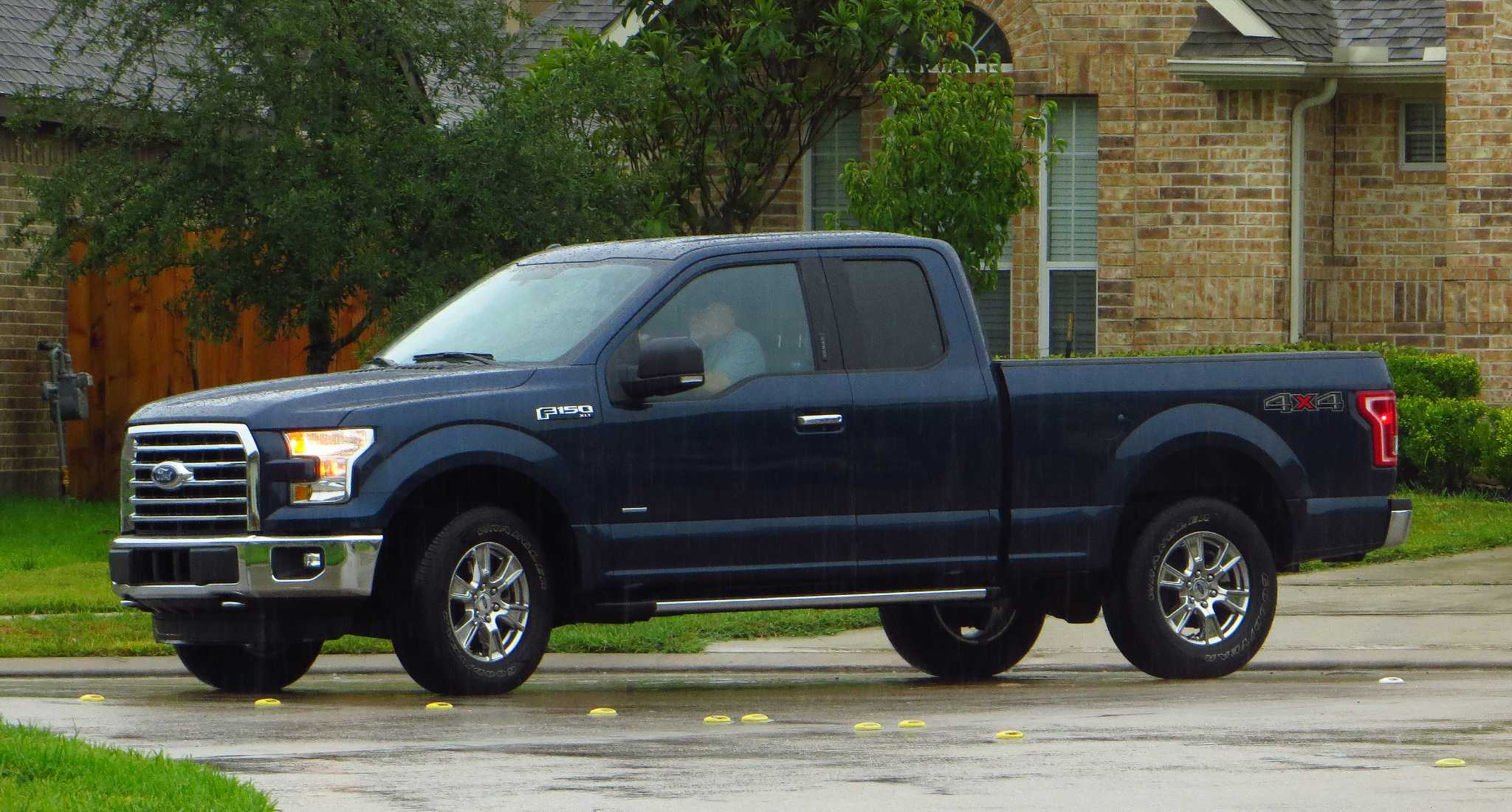 Tiny turbocharged 2.7 V6 delivers V8 performance in 2015 F-150